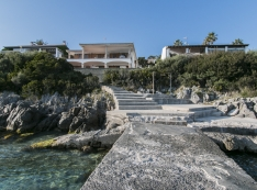 view of the house from the sea, we can access it directly through stairs