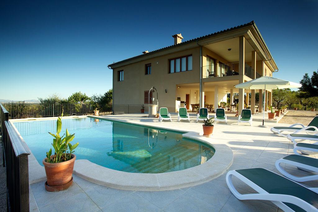 Piscinas casa de campo awesome la piscina de verano del for Casa de campo con piscina